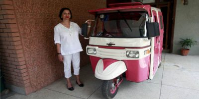 Female-only-Pink-Rickshaw